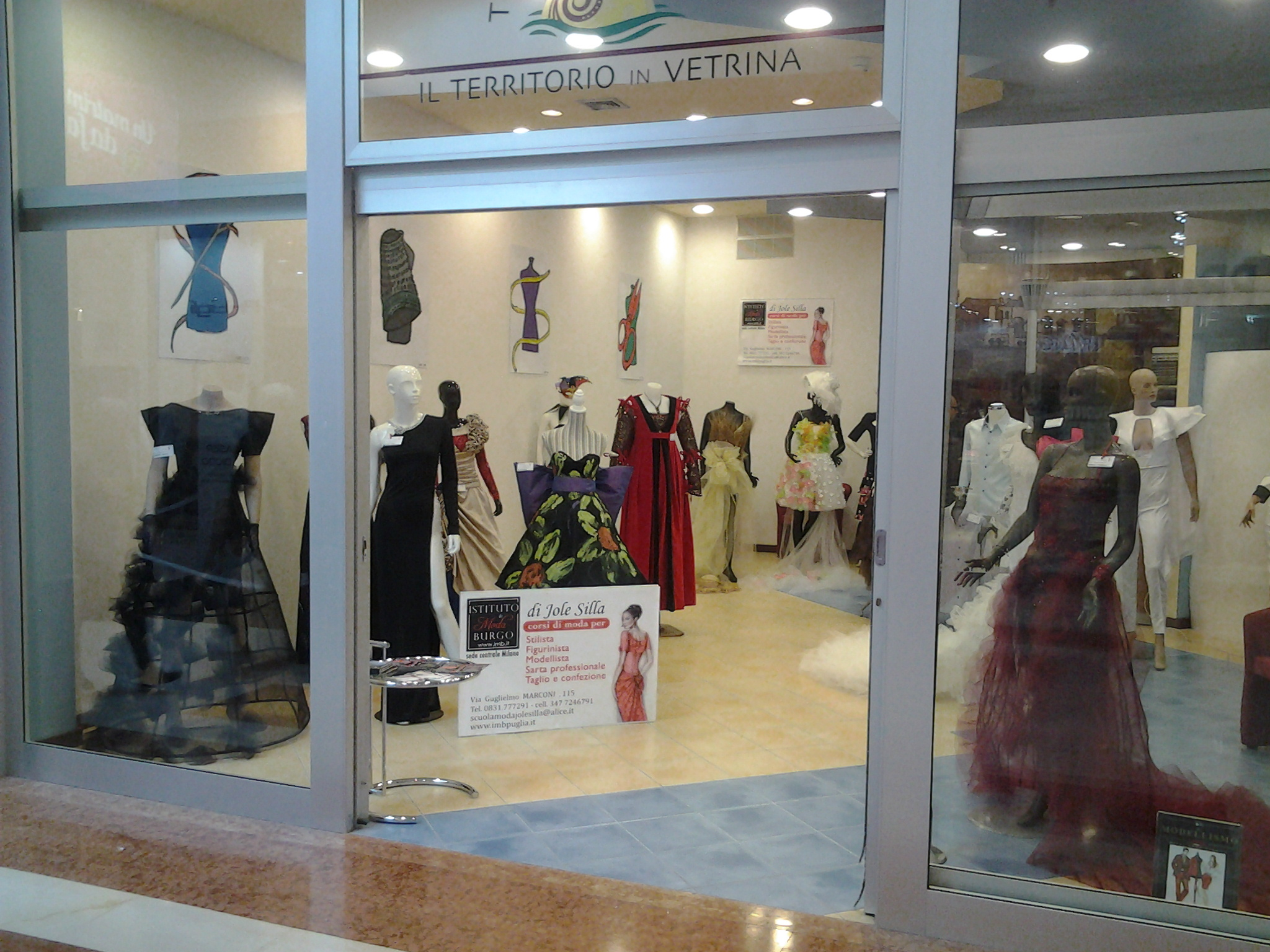 Nella Galleria Auchan l'esposizione dell'Istituto Burgo