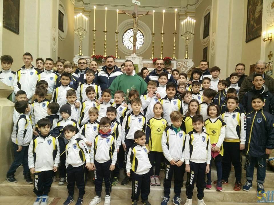 I ragazzi della polisportiva SS. Annunziata protagonisti nella Via Crucis parrocchiale