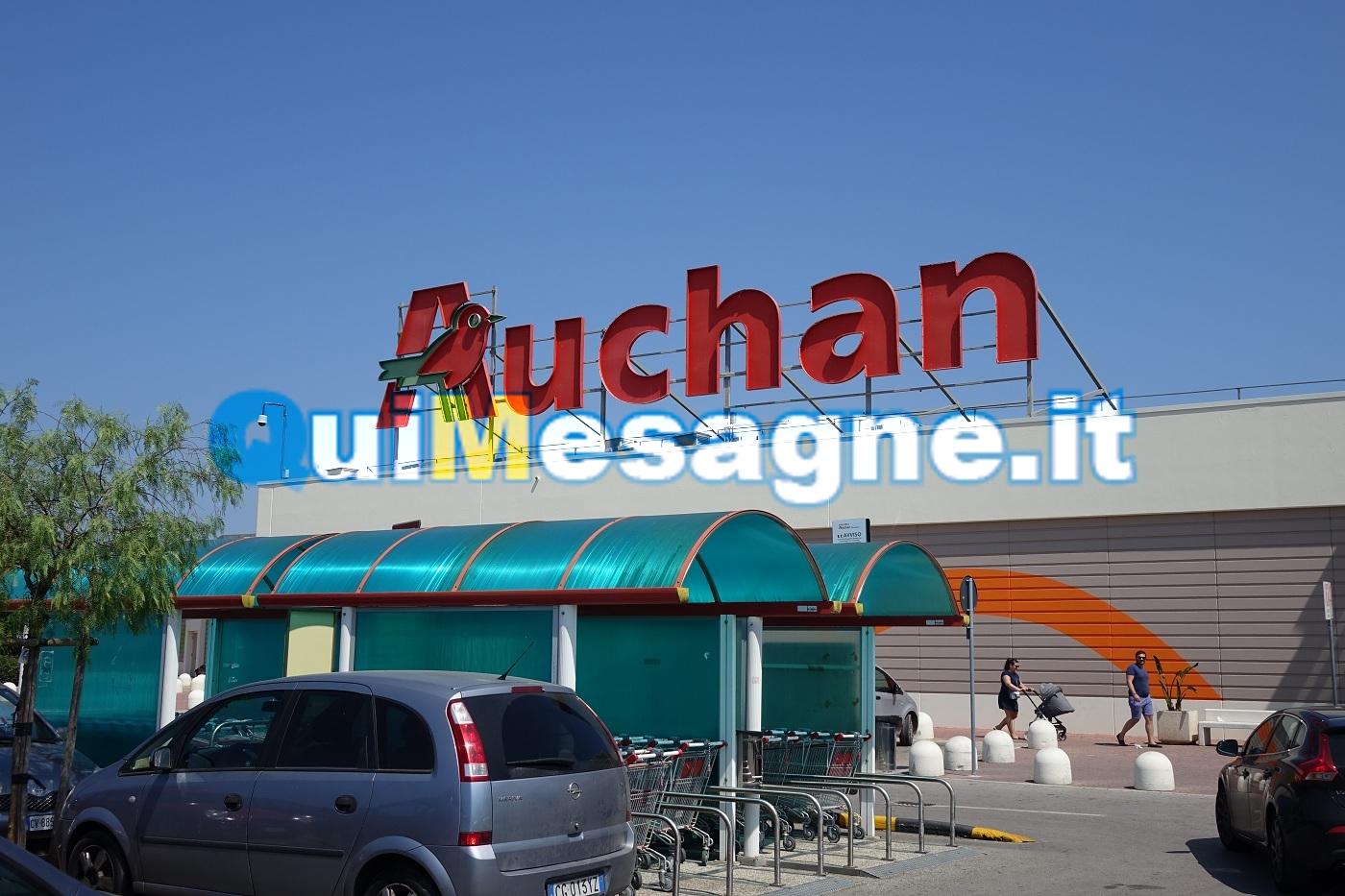 Sorpresa in Auchan a rubare prodotti per l'igiene intima, denunciata dai Carabinieri