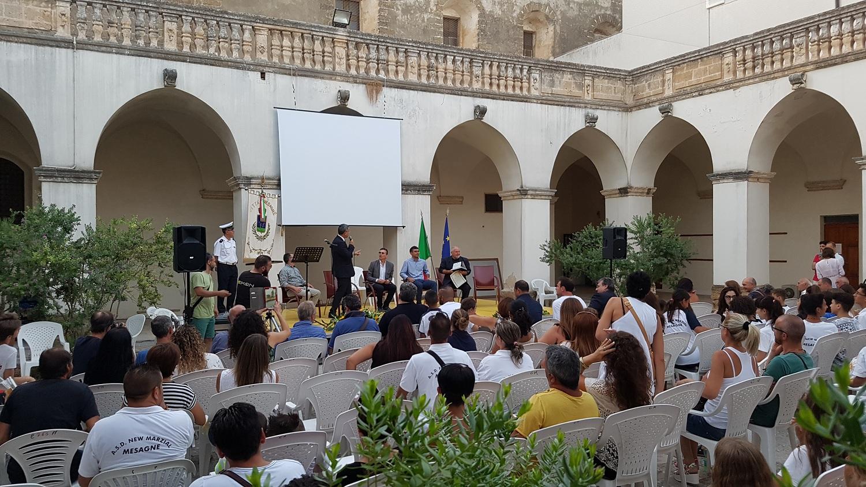 Civica Benemerenza per Roberto Baglivo, ieri la consegna dell'Amministrazione Comunale