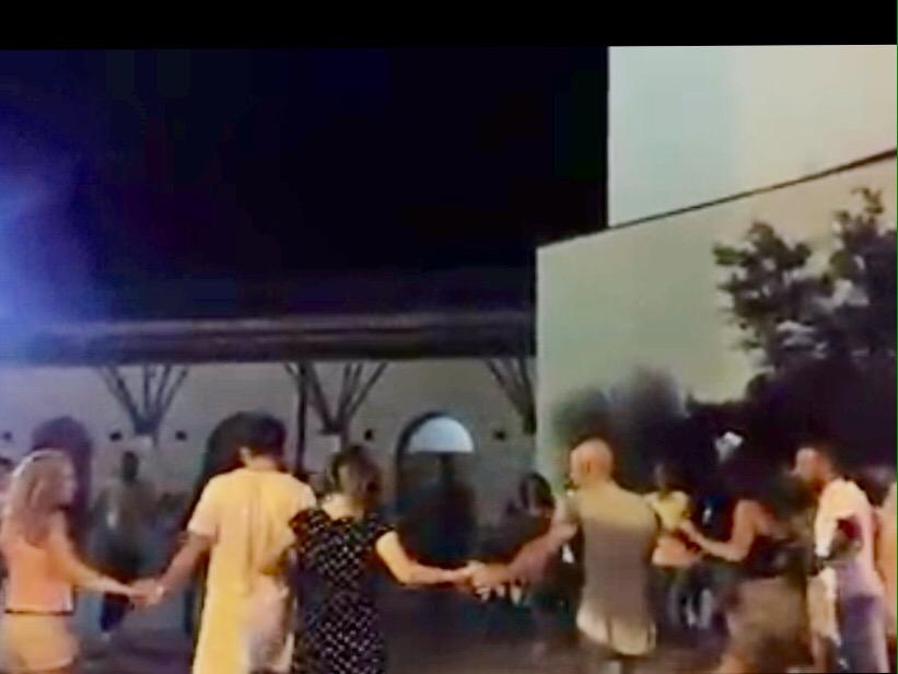 Movida, la Polizia blocca la musica a mezzanotte. Insorgono gli organizzatori
