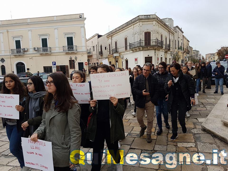 Giornata contro violenza sulle donne, GUARDA il flash mob dei ragazzi del Coreutico