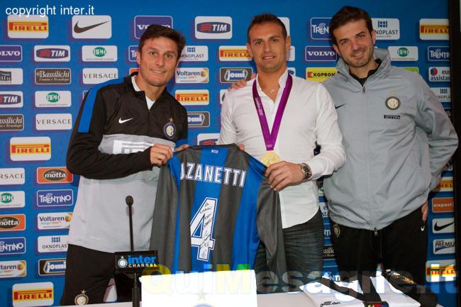 A Carlo Molfetta la tessera ad honorem dell'Inter Club di Mesagne