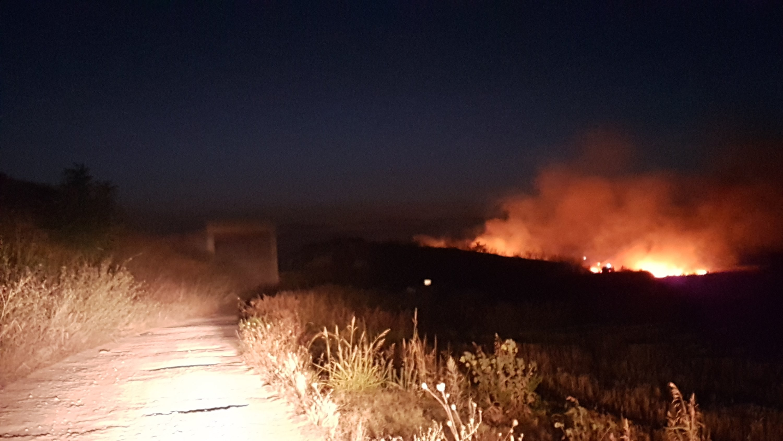 Vasto incendio in contrada San Luca