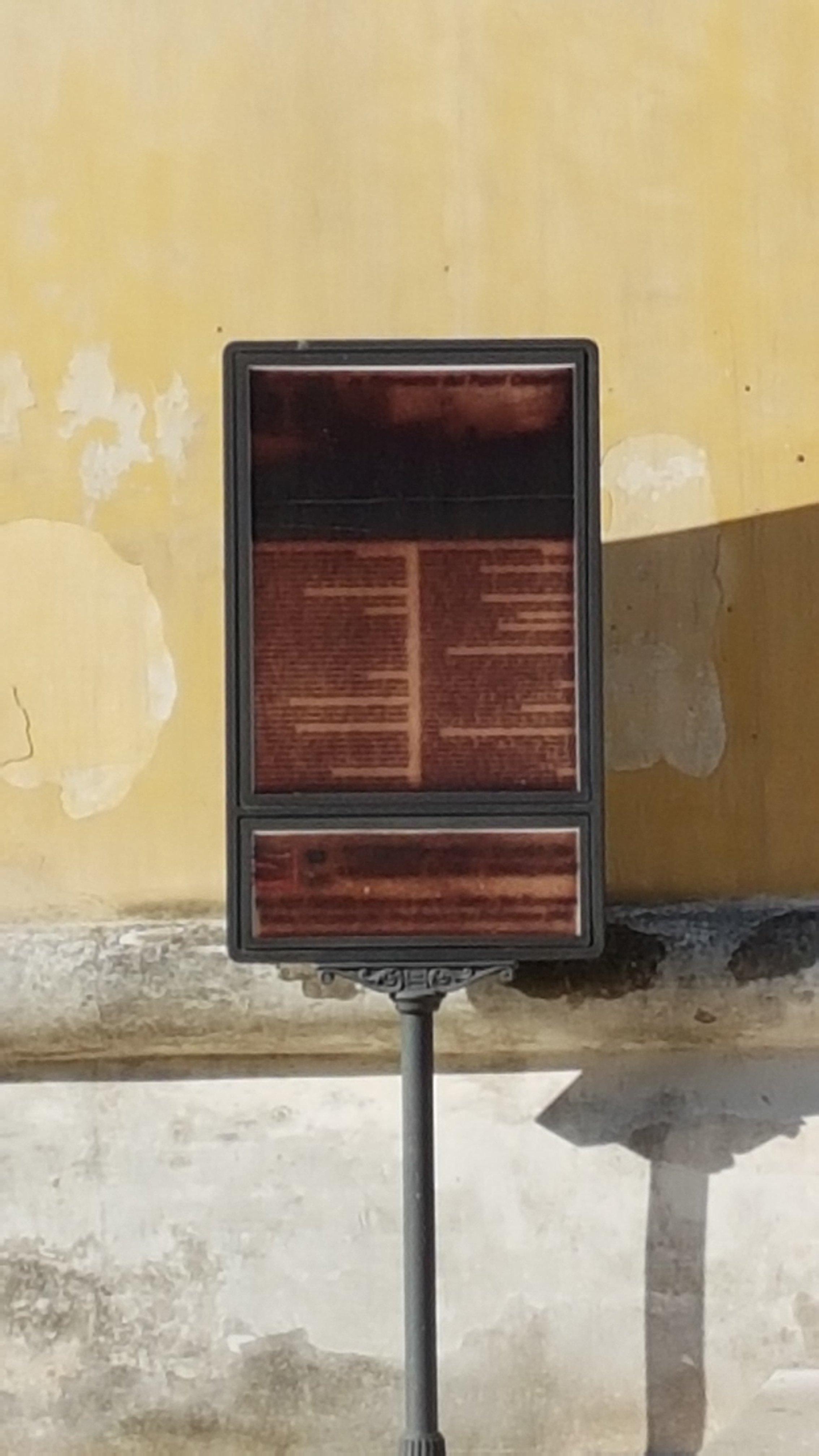 """UFFICIO RECLAMI – """"Mille poesie bruciate dal sole"""""""