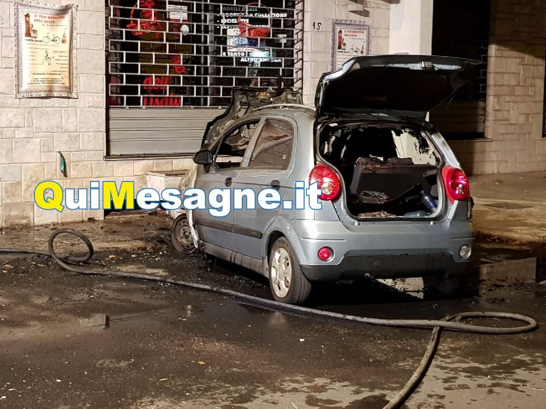"""""""Incendio accidentale"""" in via Romagna, ma i cittadini temono presenza di un piromane"""