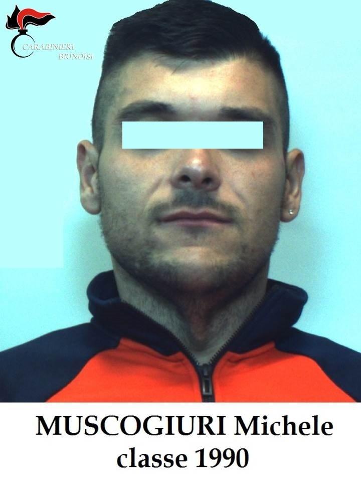 I Carabinieri arrestano 27enne per furto e percosse