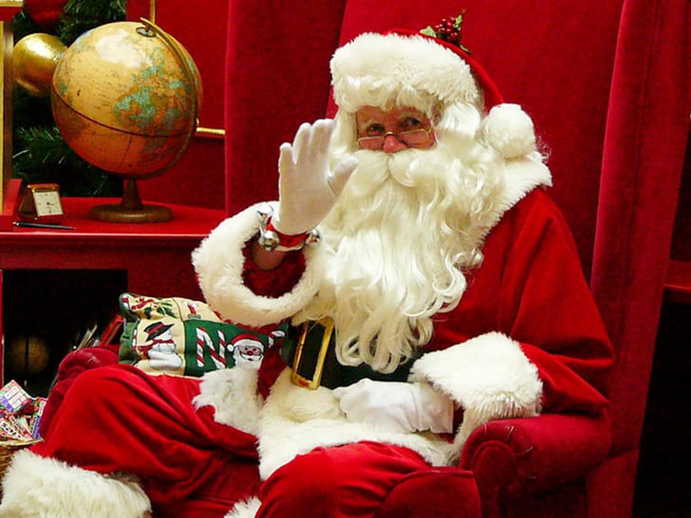Il 24 dicembre nel Castello un vero Babbo Natale consegna (gratuitamente) i doni ai bambini – APERTE LE PRENOTAZIONI