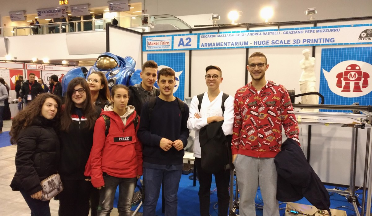"""I ragazzi del """"Ferdinando"""" di Mesagne al Maker Faire di Roma"""