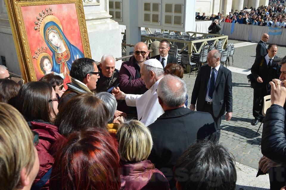 Tre minuti in paradiso. Le emozioni dell'incontro con Papa Francesco – di Flavia Montanaro