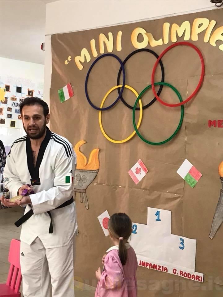 """""""Zio Carlo"""" con i bambini della Rodari per parlare di sport"""