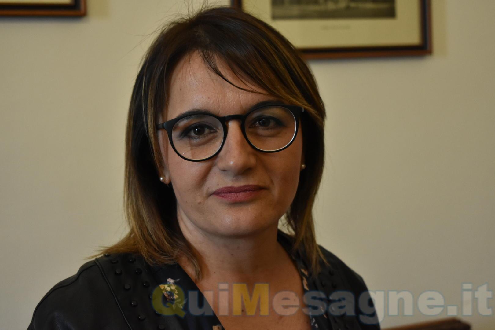 """25 novembre, Giornata contro la violenza sulle donne. L'assessore Saracino: """"Esponiamo tutti un nastro rosso"""""""