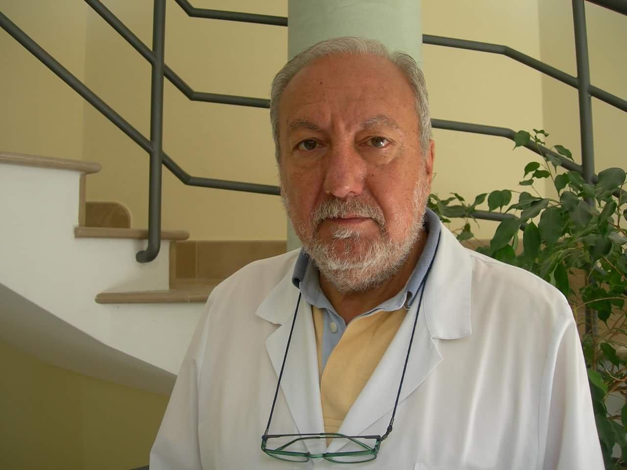 Il dottore Costanzo Mardighian risponde a Giaffreda dopo l'intervento alla posa della prima pietra di Apulia Diagnostic