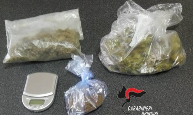 Latiano, hashish e marijuana in sala da pranzo. Arrestato