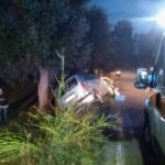 Incidente sul prolungamento di via Tumo. Due giovani incastrati nell'auto