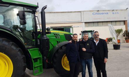 Chisena srl e John Deere siglano accordo per imprenditori agricoli locali