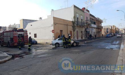 Via Brindisi, va a fuoco una Alfa Romeo 156: nessun ferito