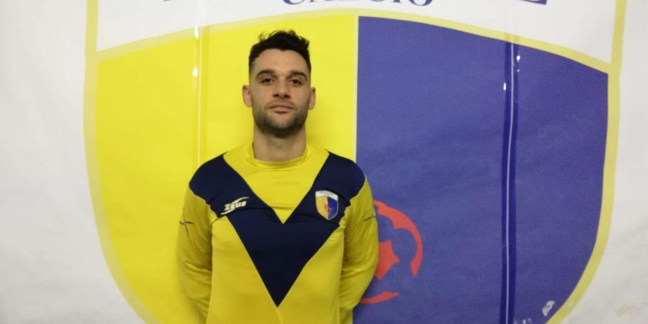 Il difensore Francesco Indirli arriva a Mesagne