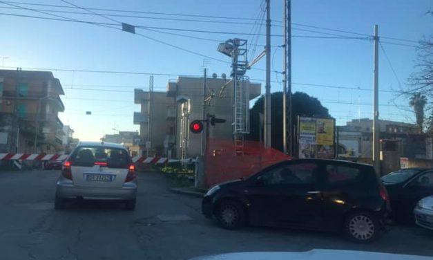 UFFICIO RECLAMI – Sbarre chiuse per 15 minuti, mesagnesi arrabbiati