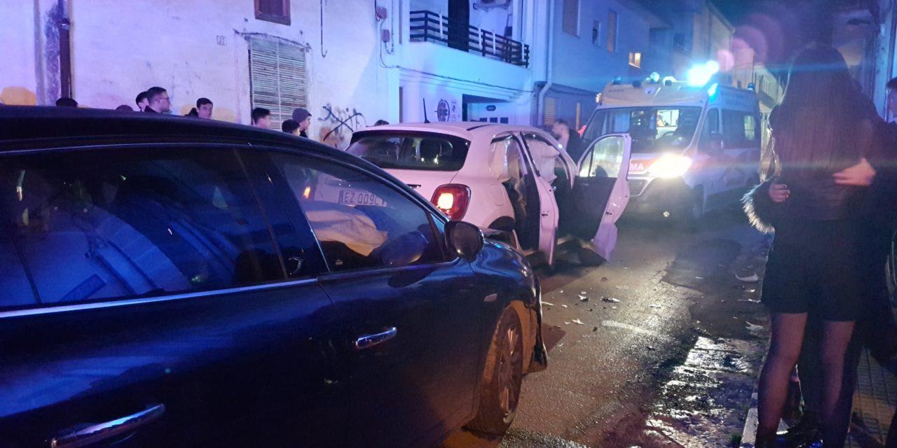 Incidente nei pressi della Villa Comunale, tre feriti