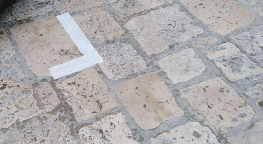 UFFICIO RECLAMI – I residenti di via Rini e i parcheggi tracciati dal Comune