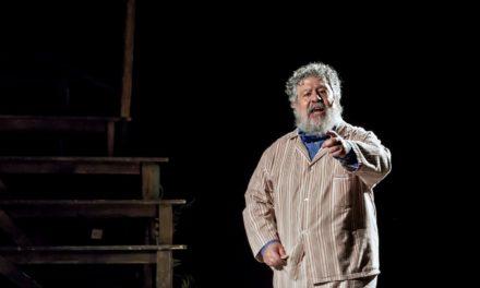 """""""Parenti serpenti"""" con Lello Arena, al Verdi il biglietto costa la metà"""