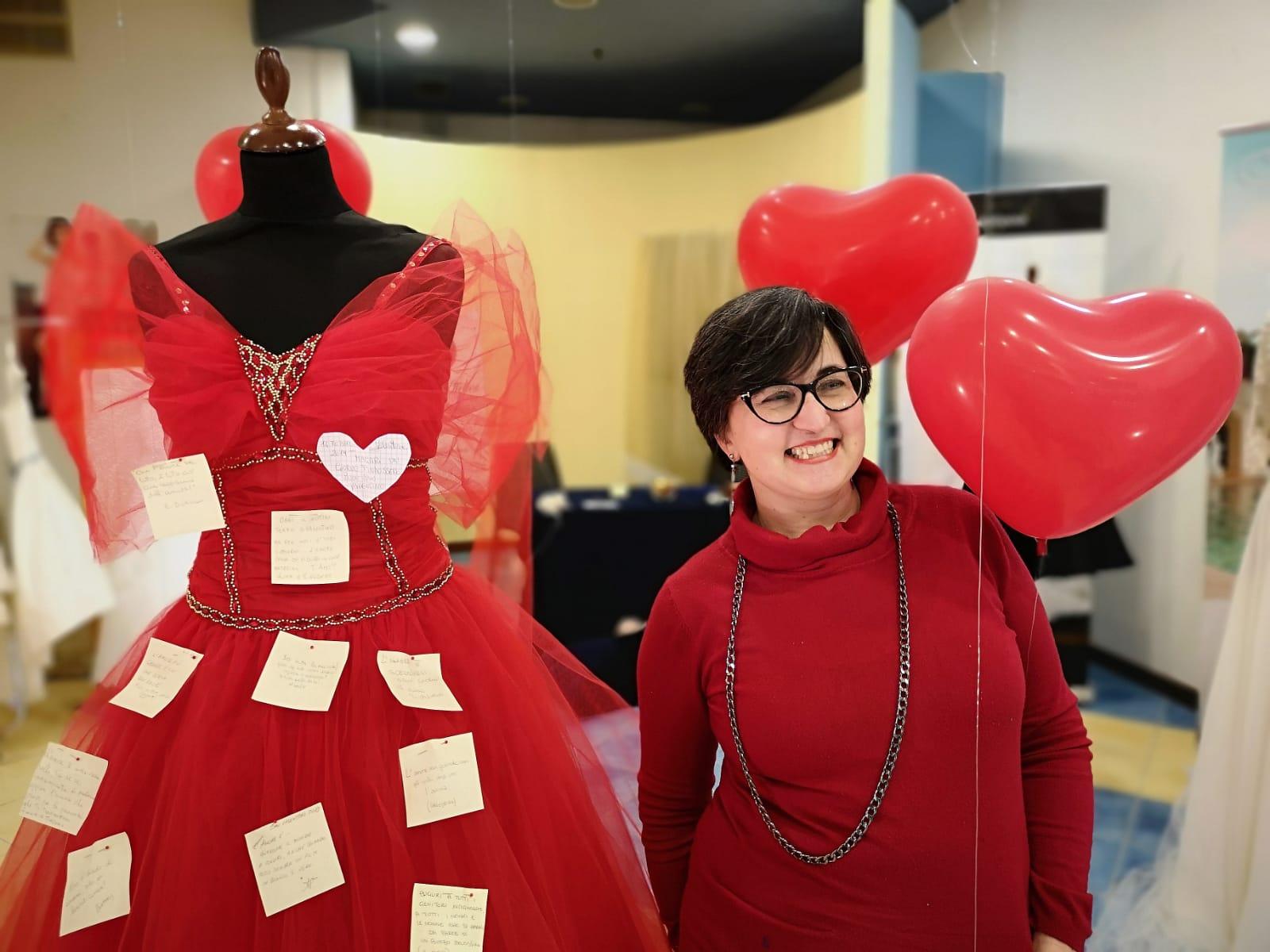 Quell'abito rosso che parla d'amore - Qui Mesagne ...