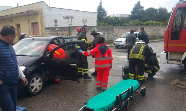 Incidente su via San Donaci, intervengono i Pompieri