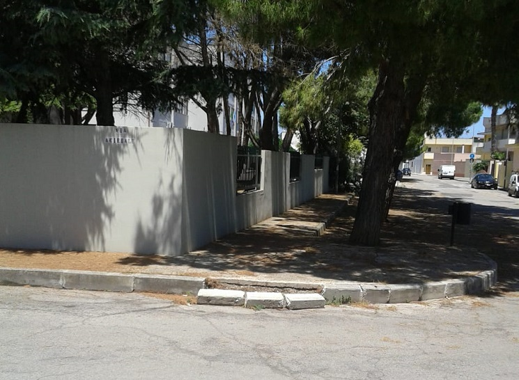 Ufficio reclami decoro urbano anche nei pressi dell 39 aldo for Ufficio decoro urbano comune di roma